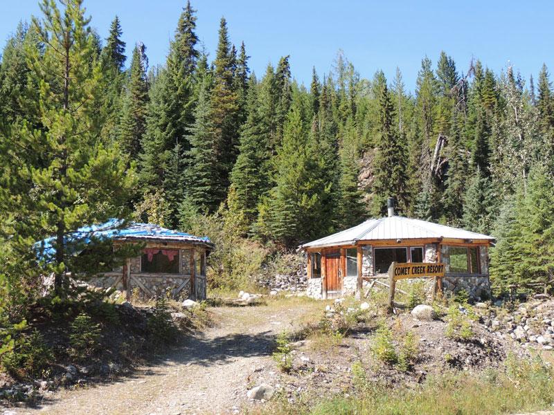 Commet Creek - deserted resort