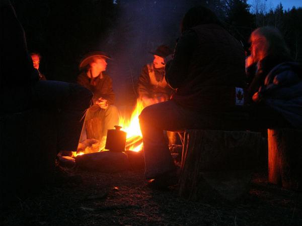 Campfire idillic at night
