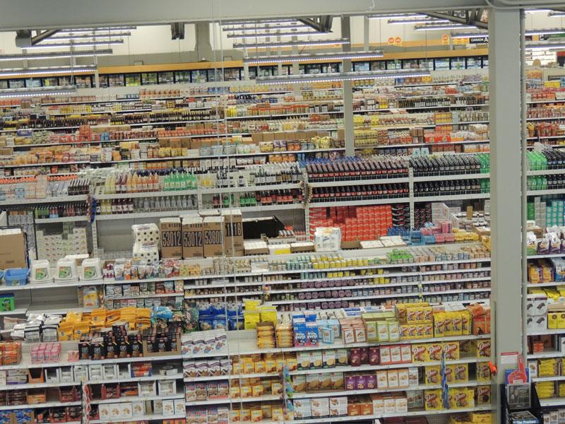 Shopping in Canada