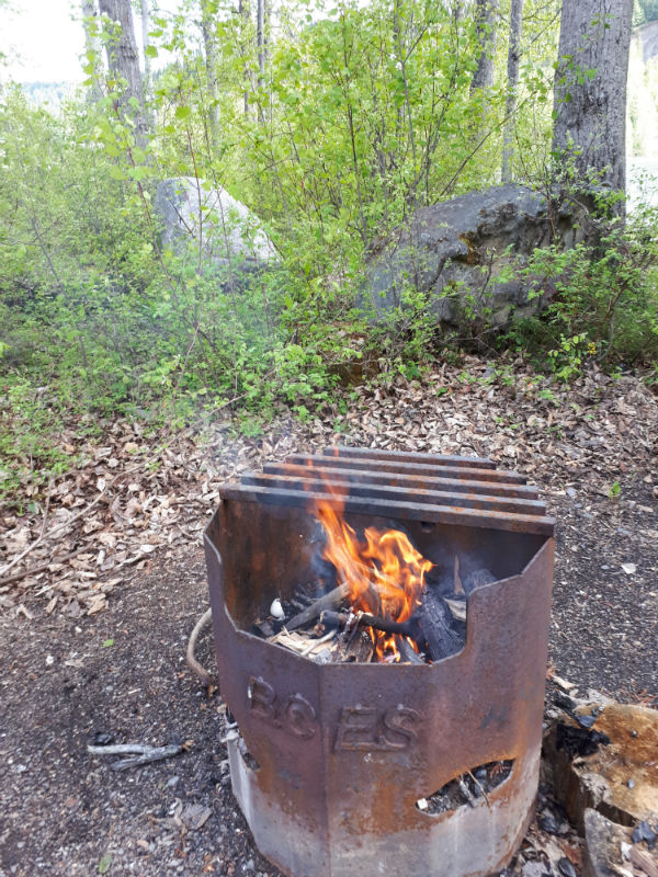 How to start a campfire in the backcountry